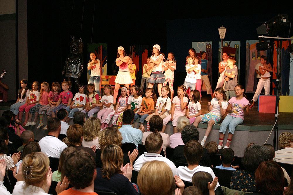 Djecji-zbor-Mjuzikl-Volim-te-Premijera-2004-12