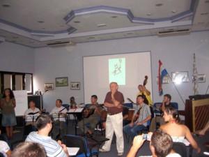 Predavanje iz etnomuzikologije, predavač Mihael Ferić