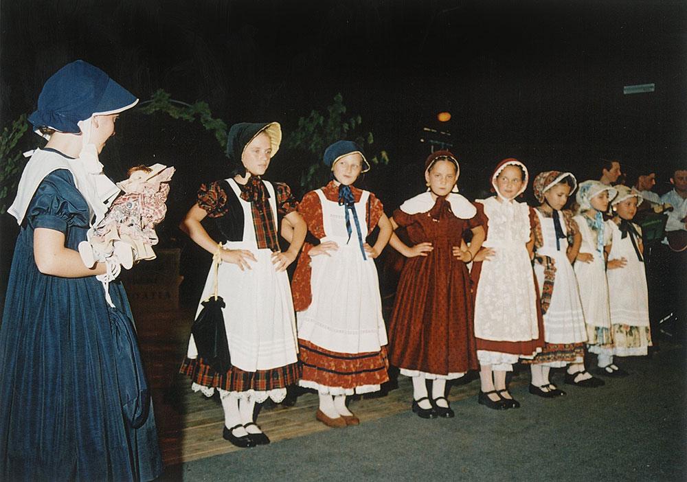 Skola-folklora-Djecja-skupina-12-Koreografija-Lutko-ma-2