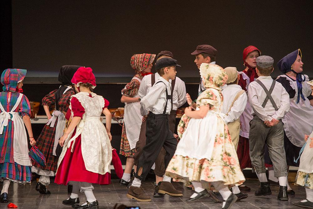 Skola-folklora-Djecja-skupina-13-Koreografija-Lutko-ma