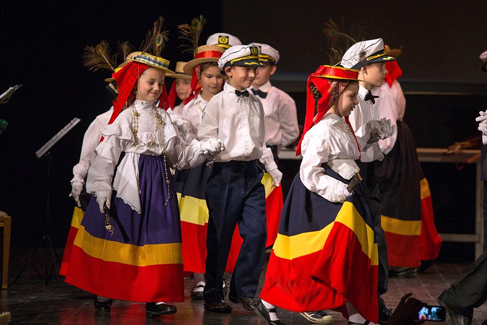 Skola-folklora-Djecja-skupina-7-Koreografija-Kapetanski-ples-1