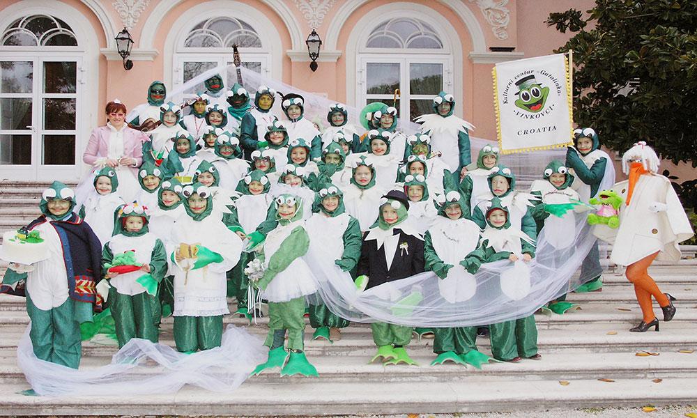 Skola-folklora-Maskenbal-2006-Zablji-svatovi-Prvo-mjesto-02