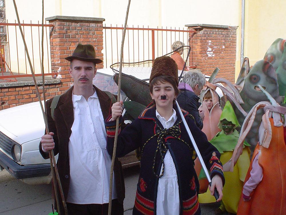 Skola-folklora-Maskenbal-2008-Fis-paprikas-1-mjesto-02