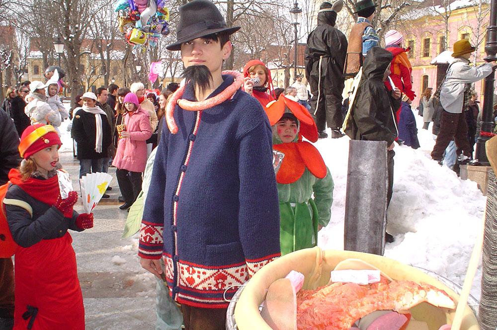 Skola-folklora-Maskenbal-2010-Svinjokolja-Prvo-mjesto-01
