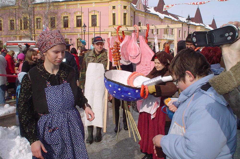 Skola-folklora-Maskenbal-2010-Svinjokolja-Prvo-mjesto-02