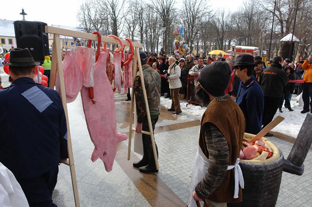 Skola-folklora-Maskenbal-2010-Svinjokolja-Prvo-mjesto-04