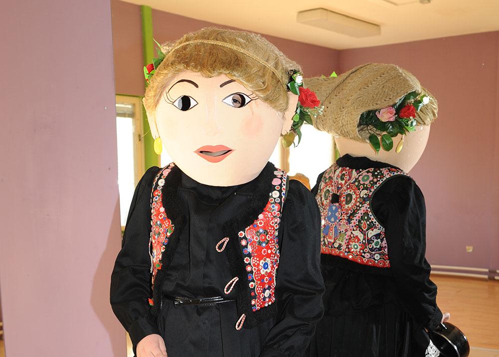 Skola-folklora-Maskenbal-2015-Etno-frizure-Hrvatske-1-mjesto-07