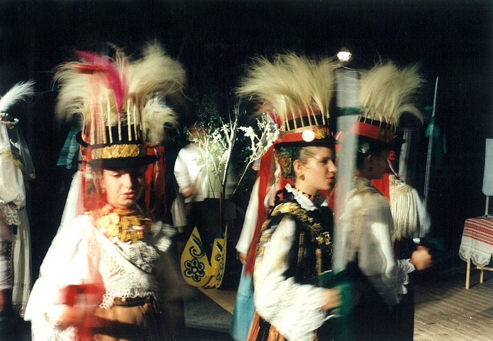 Skola-folklora-Odrasli-Koreografija-Kraljice-05