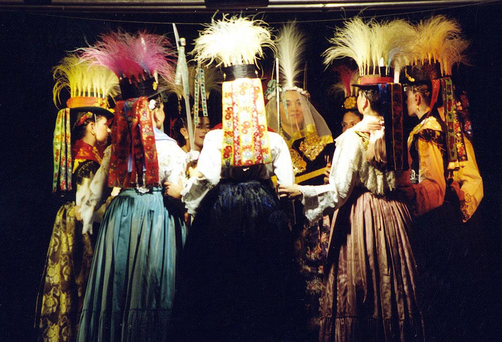 Skola-folklora-Odrasli-Koreografija-Kraljice-06