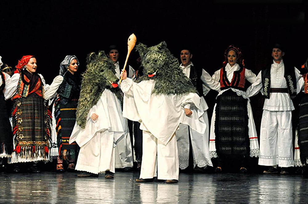 Skola-folklora-Odrasli-Koreografija-Od-poklada-do-zetve-03